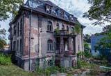 Deserted Villa Escape